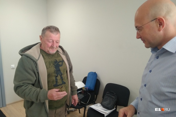 Слева — основатель «Урал-Вымпела» Валерий Архипов, справа — его сын Александр