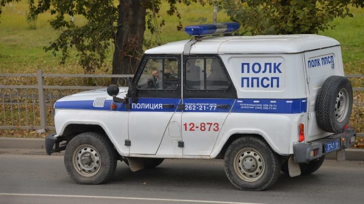 В Екатеринбурге на детской площадке нашли труп женщины