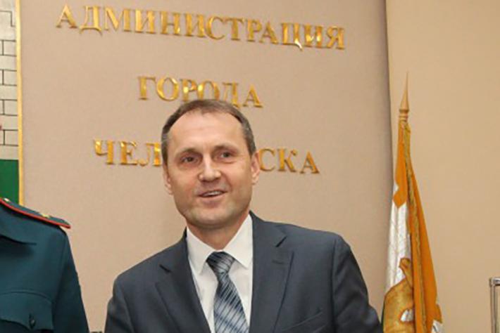 Юрий Параничев сейчас находится в отпуске, из которого, по неофициальной информации, уже не вернётся на работу
