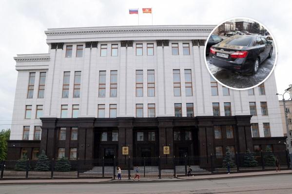 За этот год автопарк областного правительства пополнили 20 новых легковушек