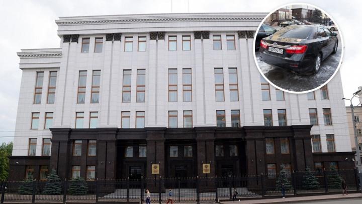 По потребностям: власти Челябинской области купят новые иномарки за 18,8 млн у московской компании
