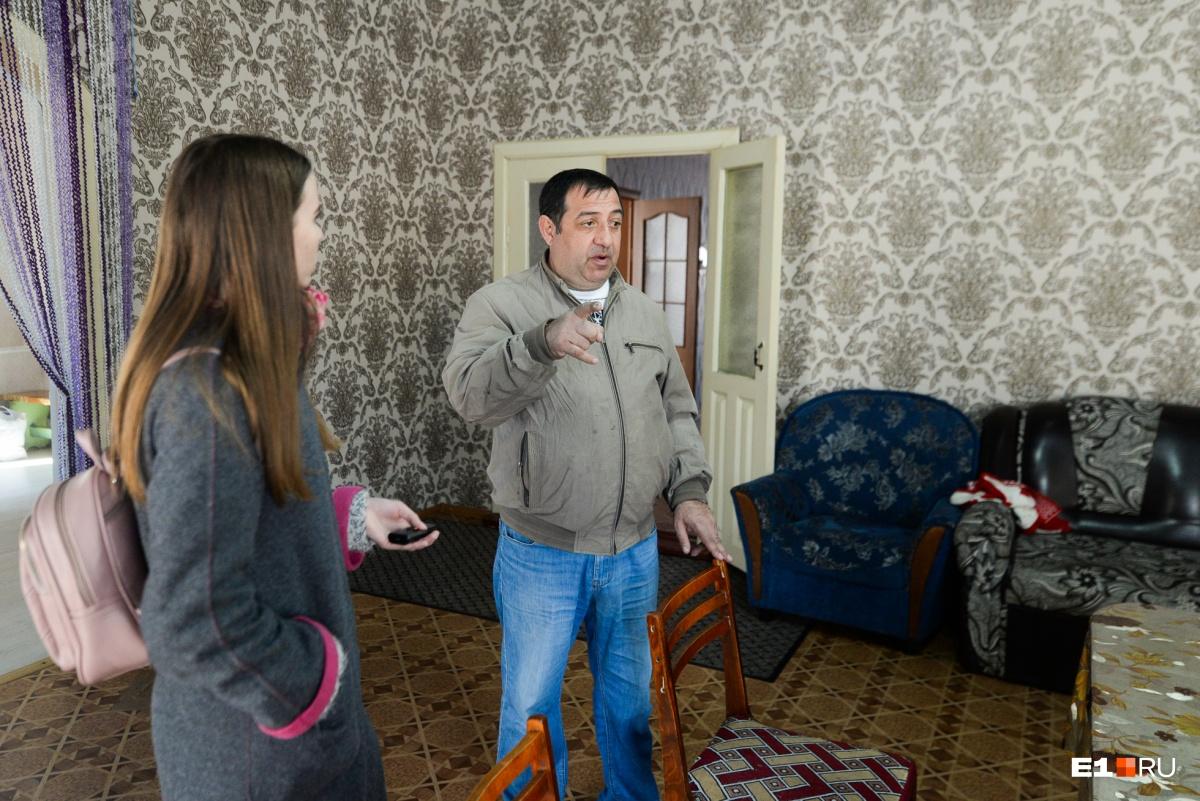 Артур уверяет, что цыгане выйдут на демонстрацию, если их выселят из домов