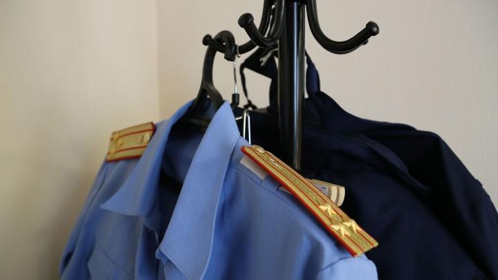 Синие джинсы, розовые носки: в Башкирии из реки вытащили тело неизвестной молодой женщины