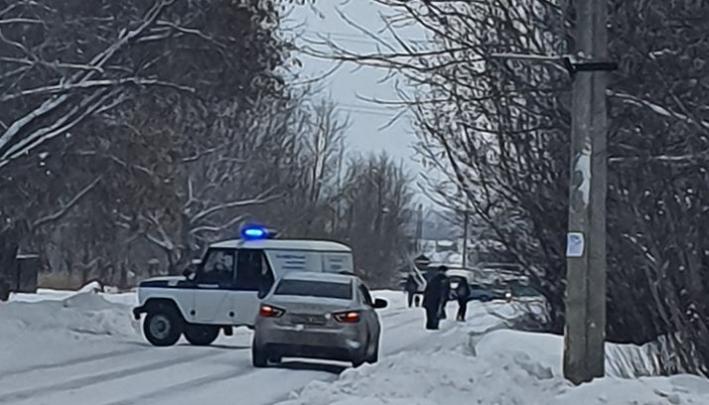 В Новосибирске водитель без прав сбил полицейского и отвез на кладбище ещё живым