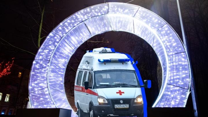 Шальные пули и корона Снегурочки: ростовские медики скорой — о работе в новогоднюю ночь