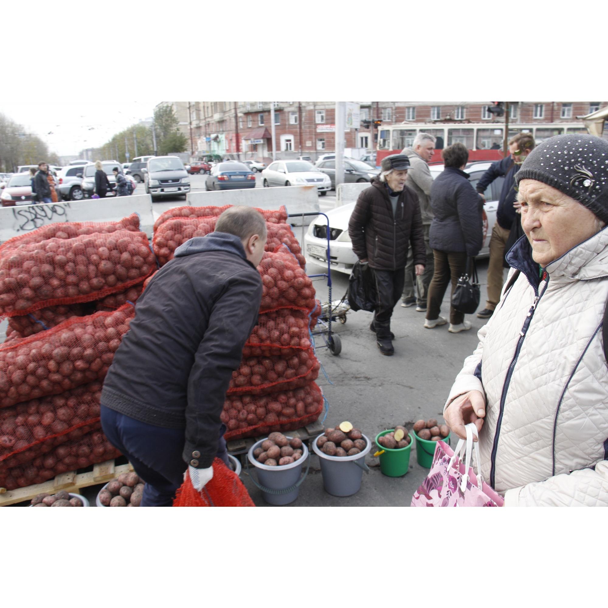 Самый востребованный товар — картошка мешками