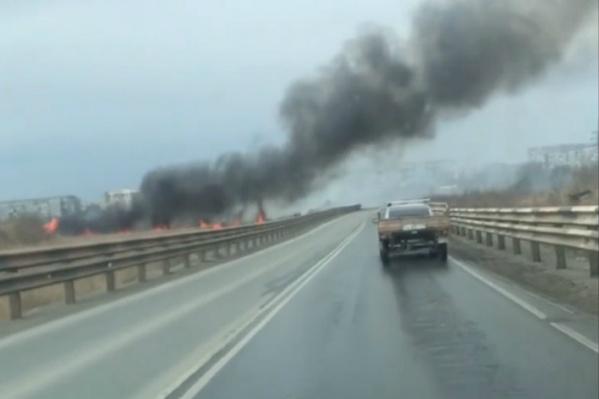 Пожар на проспекте Давыдова разгорелся 3 мая около 11 утра