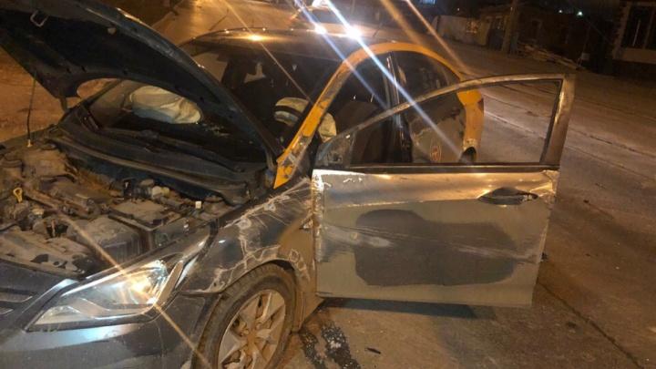Разбил машину и уехал на такси: ночное ДТП в Самаре с участием каршерингового автомобиля