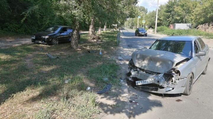 «Пассажир вылетел из машины»: очевидцы рассказали подробности аварии на проспекте Карла Маркса