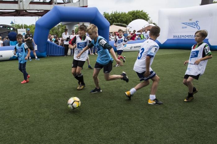 Руководители школ и тренеры отмечают интерес к детскому футболу и в июле
