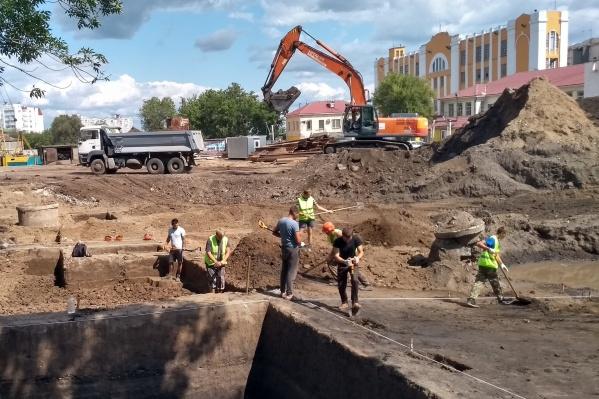 Археологи соседствуют со строителями моста