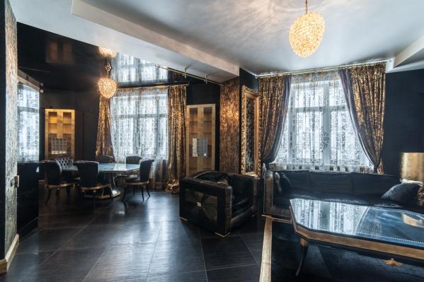 В доме на Никонова на продажу выставили вот такую черную, но стильную квартиру