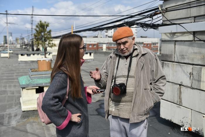 Мы поговорили с Николаем Ивановичем Моргуновым посреди его разрушенного сада