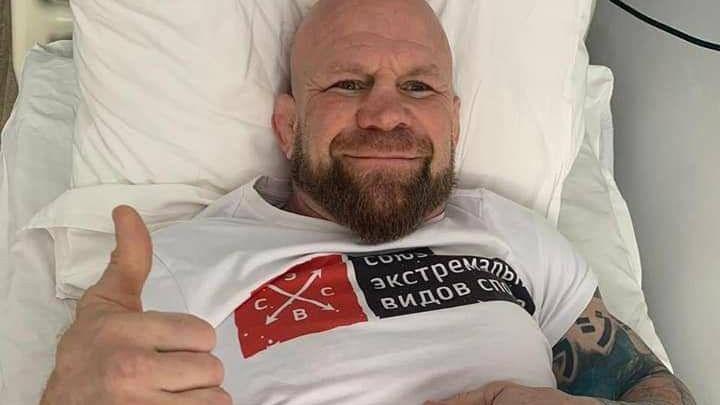 Боли беспокоили давно: в южноуральской больнице прооперировали известного спортсмена Джеффа Монсона