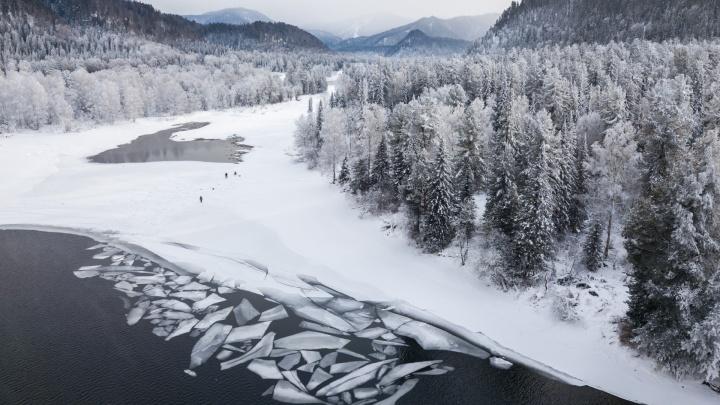 Новосибирский фотограф Вадим Махоров сделал захватывающие снимки снежного Алтая