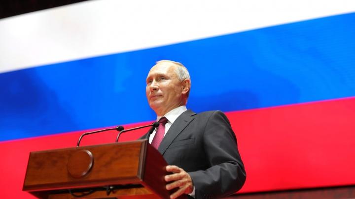 «Сила — в правде»: самарский предприниматель сделал часы для Владимира Путина