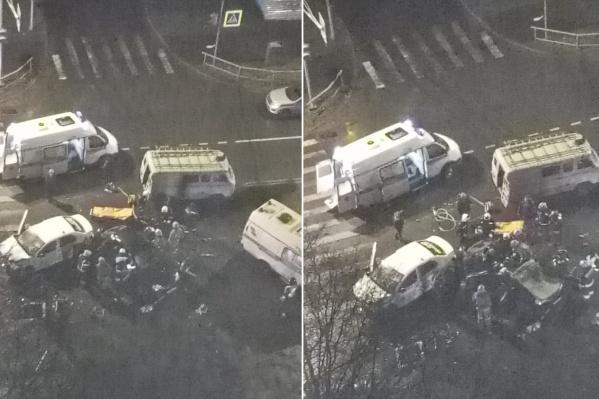 На месте аварии работали несколько машин скорой помощи