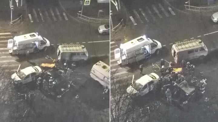 Людей вырезали из машины: в Рыбинске в ДТП погибла девушка, ещё трое пострадали