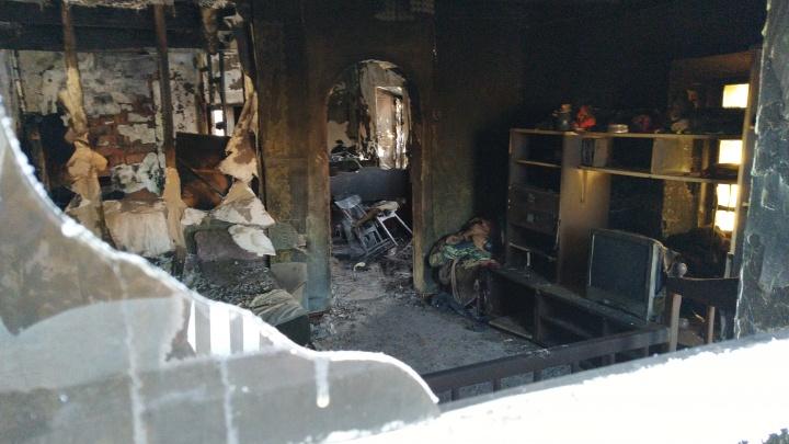Для пострадавшей в пожаре семьи из Явлено-Покровки собирают вещи