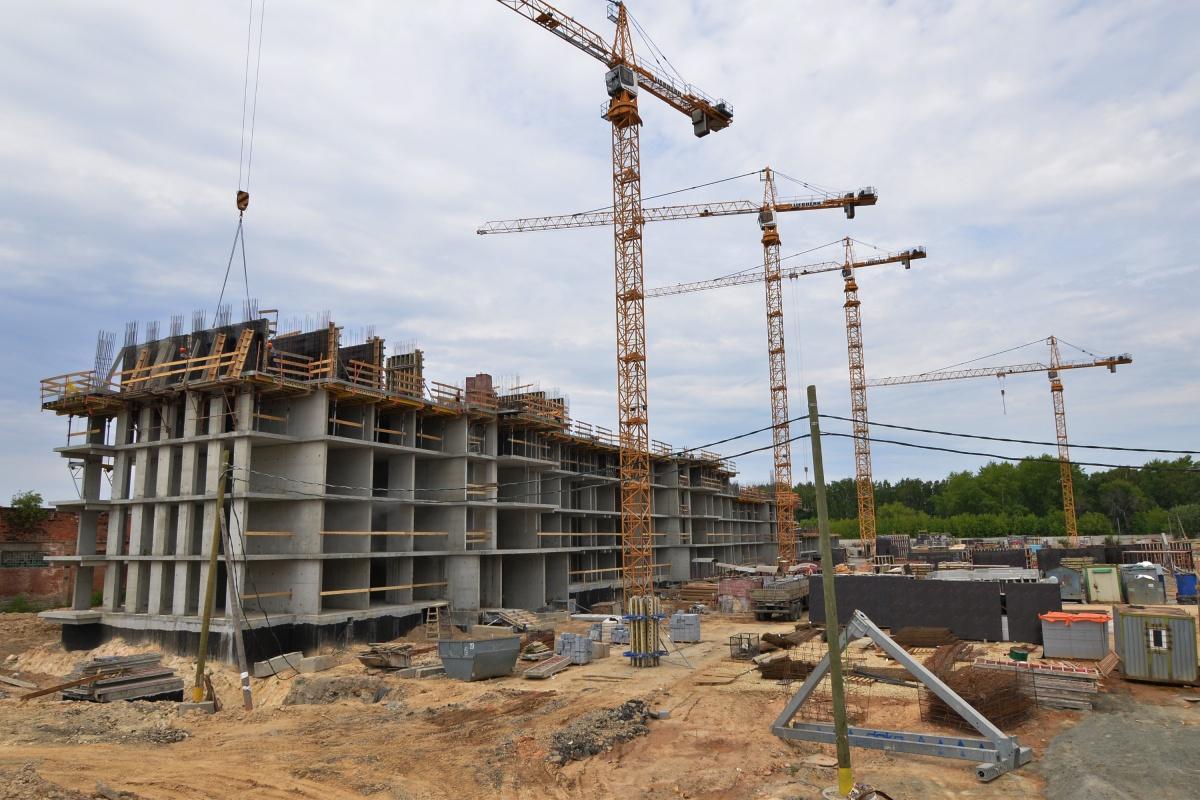 Атомные стройки: «Атомстройкомплекс» презентовал новый проект и готовит к сдаче несколько домов