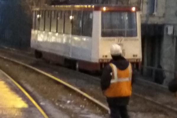Пассажирам пришлось пересаживаться на маршрутки