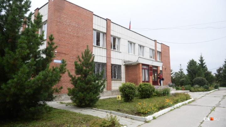Одного из подростков, обвиняемых в убийстве парня в Березовском, судят за угон машины