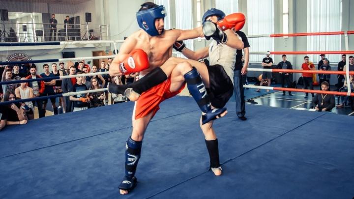 В Екатеринбурге устроили турнир по кикбоксингу для любителей, которые хотят попробовать себя на ринге