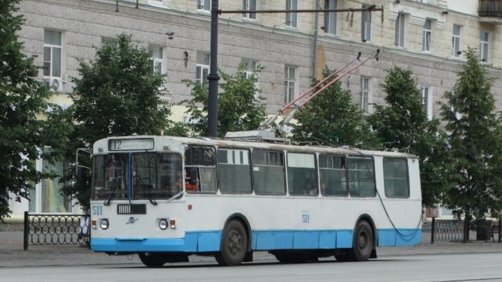 В Екатеринбурге на 12 дней закроют движение троллейбусов на перекрестке Данилы Зверева и Блюхера