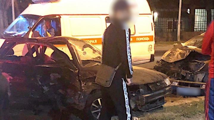 Неудачный поворот: в Ростове на Зоологической столкнулись два легковых автомобиля