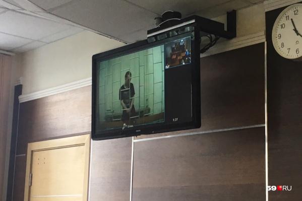 В суде работала видеосвязь с СИЗО