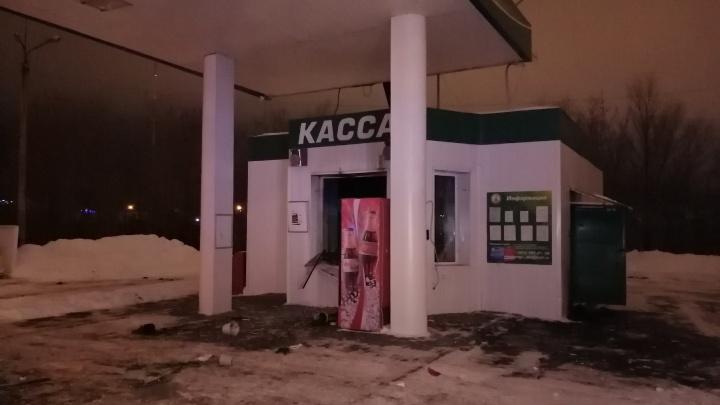 В Челябинске на автозаправке прогремел взрыв, пострадала женщина