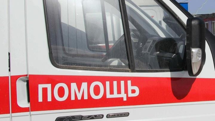 Волгоградец погиб в столкновении «Лады-Гранты» с грузовиком — двое ранены