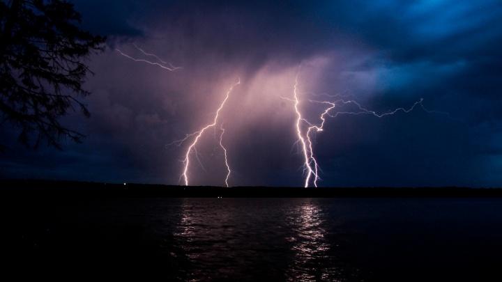 В Прикамье объявили штормовое предупреждение из-за грозы и града