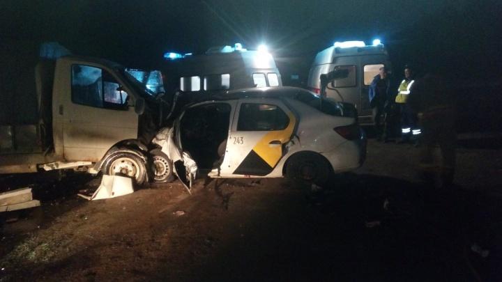 Смертельная авария на трассе Ярославль — Рыбинск: двое погибли, четверо в больнице