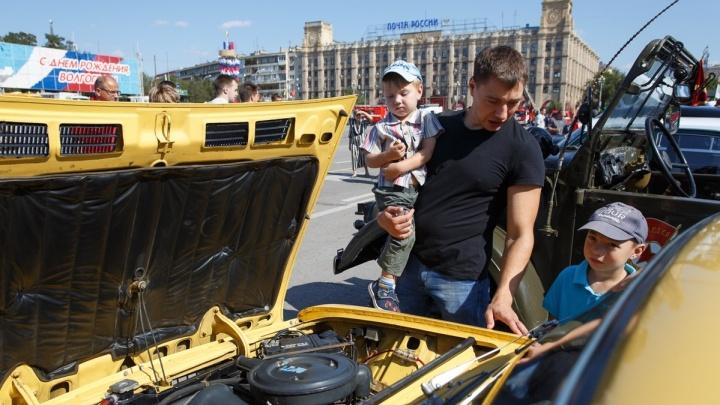«Проспект Ленина постоянно закрыт»: волгоградские фанаты ретромашин в День Победы уедут в Волжский