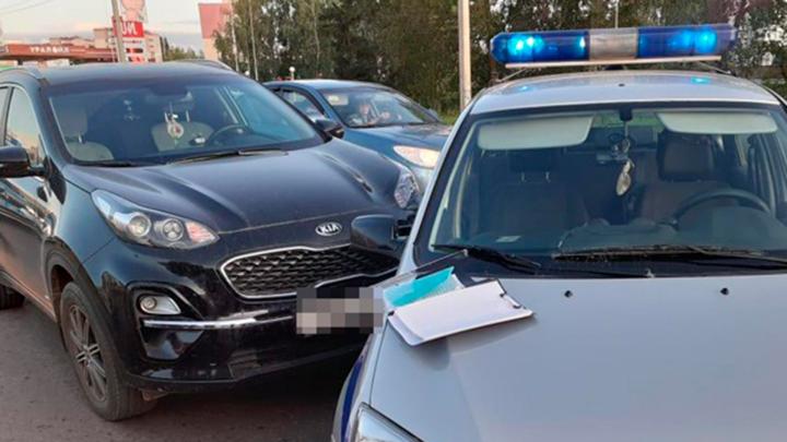 Семь-восемь машин ДПС, ППС и охраны: в Нефтекамске полицейские гоняли по городу черный внедорожник