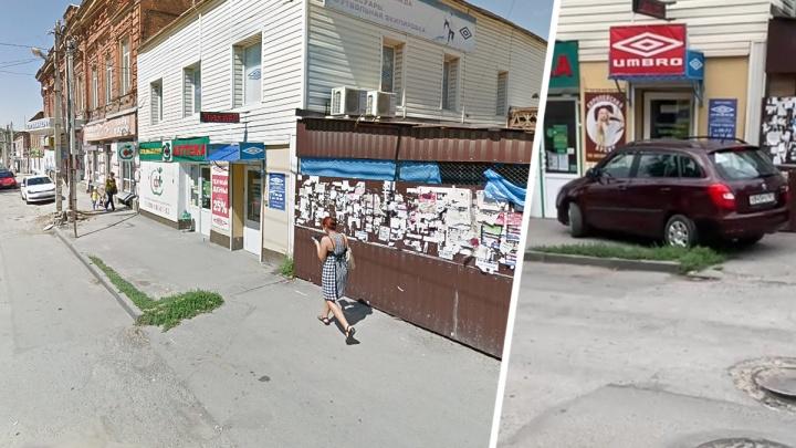 В Новочеркасске водитель легковушки пыталась проехать сквозь здание