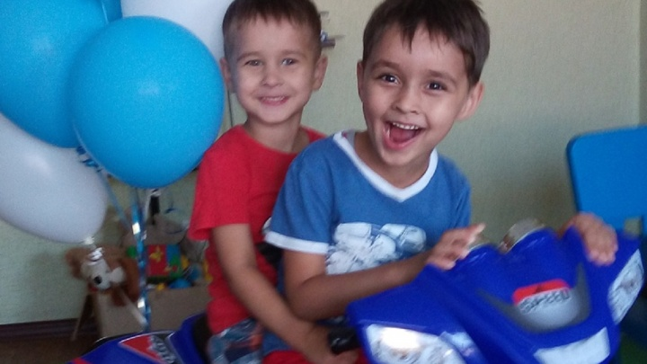 «Всё страшное он уже забыл»: мама Коли Бархатова рассказала о его самочувствии