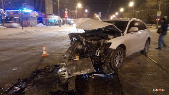 Дорожное видео недели: дикарь на маршрутке, безумец на Audi и смерть водителя автобуса