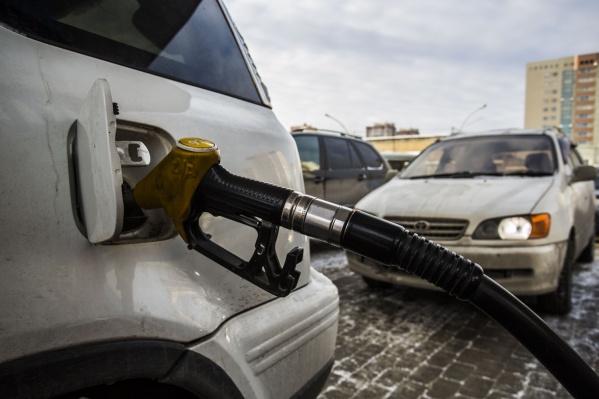 Бензин и дизельное топливо в Новосибирске продолжают дорожать