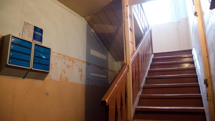 В Шарыпово вскрывали квартиру из-за громкого плача ребёнка