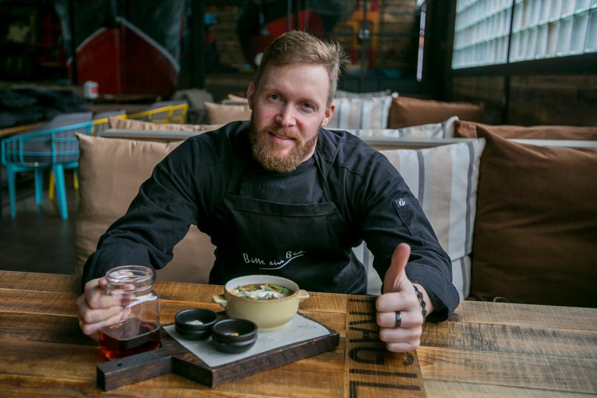 Квас против кефира: готовим окрошку по ресторанным правилам