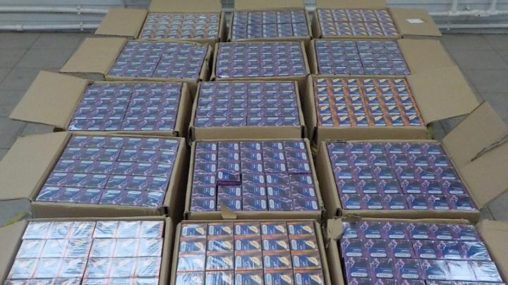 На границе с Башкирией арестовали грузовик с презервативами