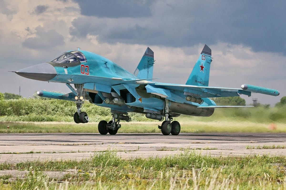 Новые Су-34 ждут в Челябинске к началу осени