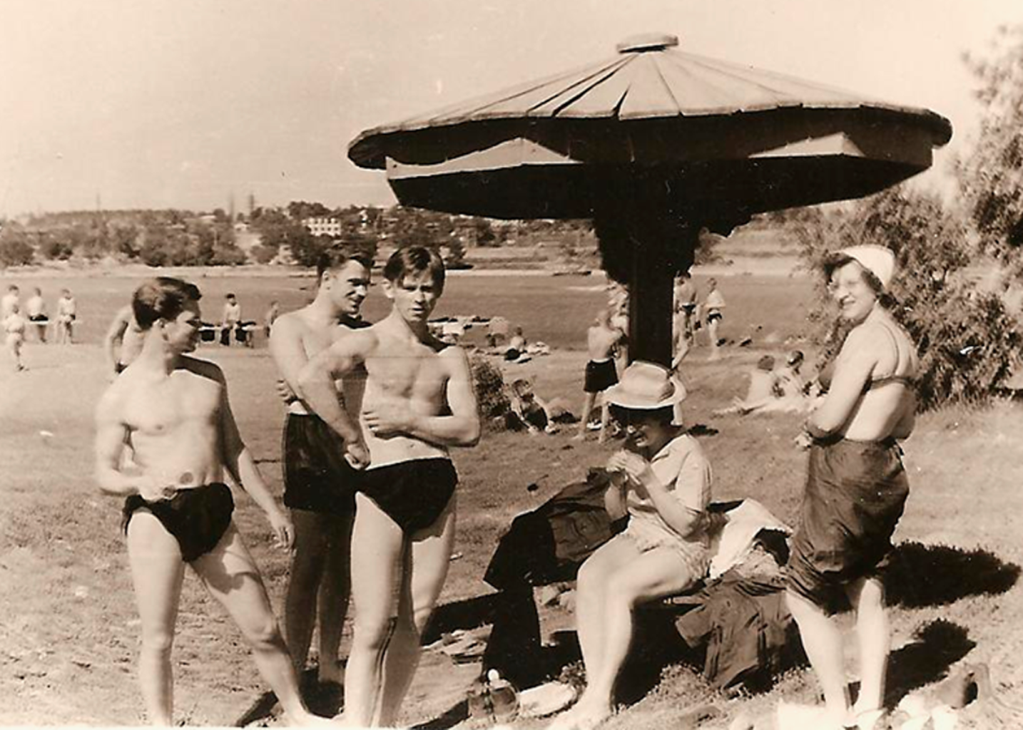 Твоя бабушка — огонь: 10 пляжных фото советского Новосибирска