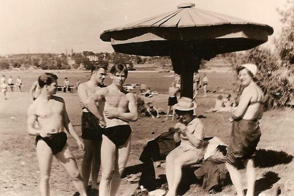 Грибки — неотъемлемый атрибут городского пляжа