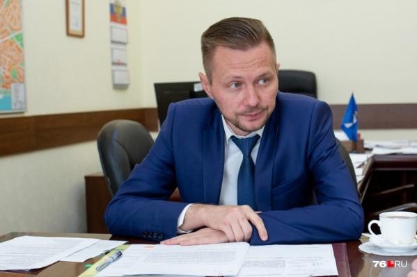 Суд отправил подозреваемого в получении взятки Рината Бадаева в СИЗО