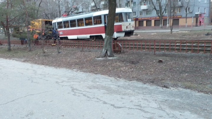 «Колесо потерял»: в Волгограде остановлено движение трамваев 13-го маршрута