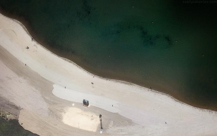 Пляж в Магнитогорске (или в Ницце?)