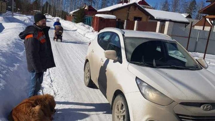 «Их собака покусала моего мужа»:женщина на Hyundai заявила, что она не сбивала маму с коляской